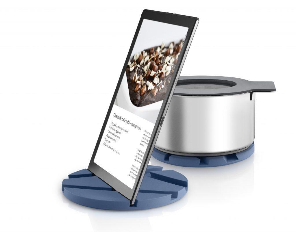 530719_Smart_mat_moonlight_blue_tablet_vinkel_2_Front_HIGH[1]