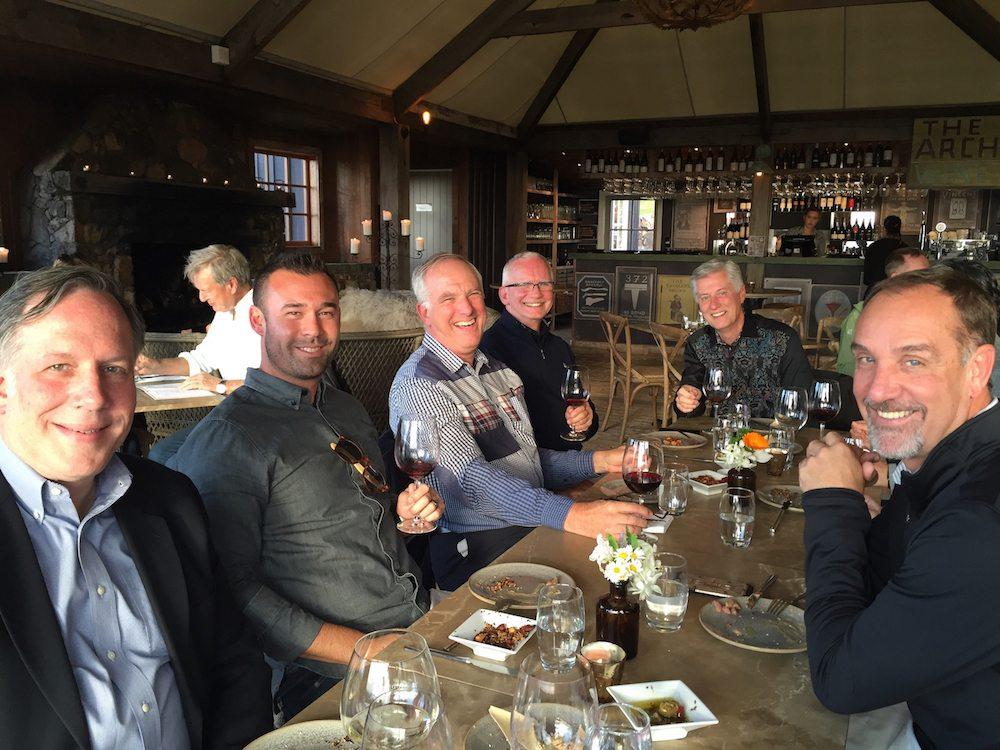 mudbrick-dinner-with-group