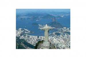 Brazil Retail Sales Fell 4.3% in 2015