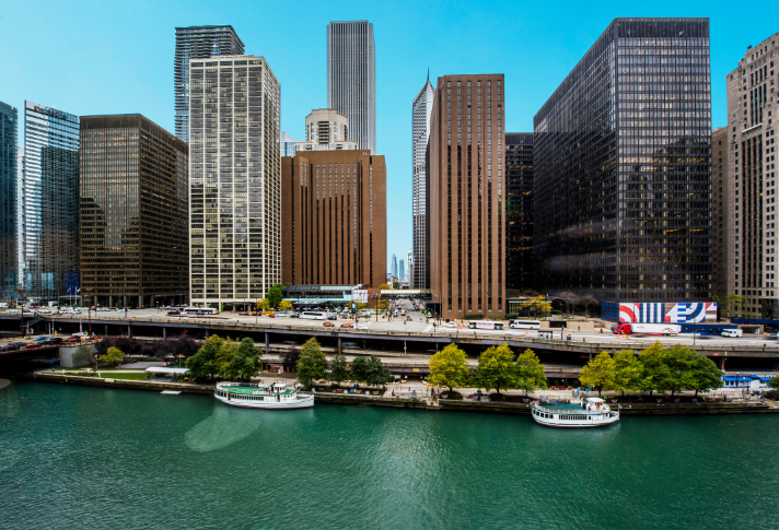 Find Yourself in the Middle of it All at Hyatt Regency Chicago